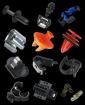 Clips plastiques et métal et attaches rapides pour panneaux et câbles